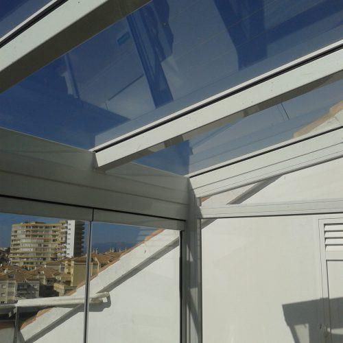 Hnos Cortes Ruiz - Carpintería de Aluminio, PVC y Cristal en Málaga, Fuengirola y Mijas. Cerramiento de Cristal.