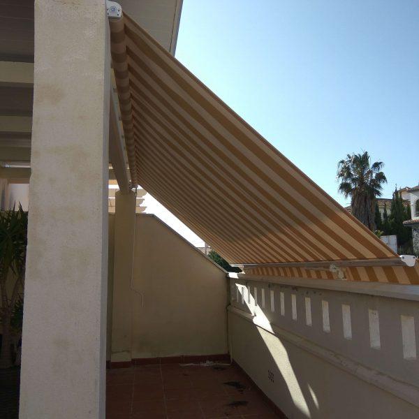 Hnos Cortes Ruiz - Carpintería de Aluminio, PVC y Cristal en Málaga, Fuengirola y Mijas. Toldos.